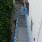 tørring af vasketøj på husmurene