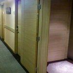 Floor corridor Hotel Cascade Midi Brussels