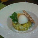 Minestrone de fruits frais et glace noix de coco