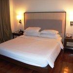 Bedroom room 909