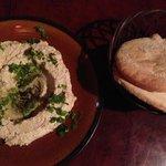 Hummus and pita!!
