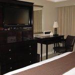 bedroom -- Holiday Inn, Baton Rouge