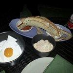 bali breakfast n pan con tomate
