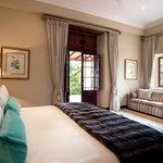 Room 5 Luxury Room