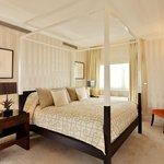 The Dorchester_Audley Suite bedroom