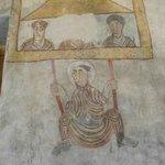 Particolare degli affreschi. L'uomo sull'altalena