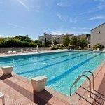 Vue piscine et de l'hôtel Las Motas
