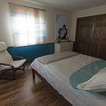 Kymi Room-queen size bed
