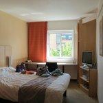 Ibis Sheffield Room