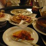 champigons au roquefort, morue en sauce, poulpe