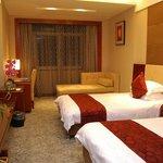 Ejon Zhouji Hotel