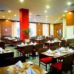 Photo of Restaurante Naia - Hotel Holiday Inn