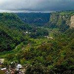 kampung di dasar Ngarai