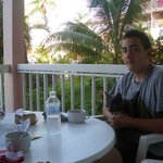 Repas sur la terrasse aménagée
