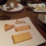 Les fromages...n'hésitez pas à en demander beaucoup !