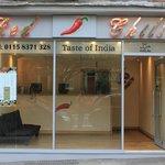 TAKE AWAY - CHILLI Taste of India - Ved siden af hoveddøren. Man får 20% på køb ved at vise nøgl