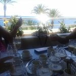 comedor con vista a la playa