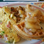 Mini-combo! Western omelet and french apple waffle