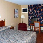 Pamola Motor Lodge Millinocket Room