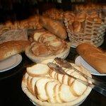 Tout un assortiment de pain à chaque repas