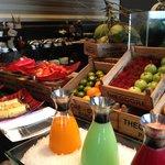 朝食 フルーツコーナー