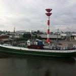 Museumsschiff Gera aus dem Comfort Hotel fotografiert