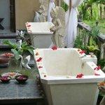Outdoor flower baths