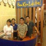 l'équipe de l'acueil de l'hotel Hoan Kiem Lake Hanoi