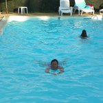 piscine ou il fait bon nager en arrivant de voyage