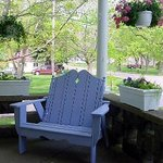 Front porch seat