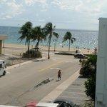 Vista desde la habitacion, a media cuadra de la playa
