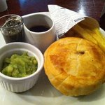 steak and ale pie waited 55 minutes  was nice though