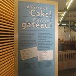 Début de l'exposition sur le gâteau