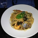 Spaghetti Primavera: vongole and prawns (day special)