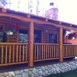 Hertitage Trapper's Cabin