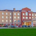 Beautiful Holiday Inn Express exterior