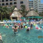 Guerra de los Globos en la piscina