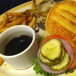 Unremarkable french dip burger