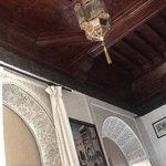 plafond en bois de la chambre