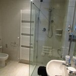 Bathroom at Hotel Degli Affreschi