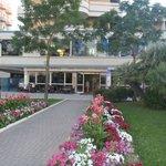 Photo de Hotel Caesar
