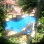 vue d'un appartement sur la piscine