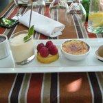 petits dessert des secrets gourmand avec fondant chaud au choco et orange,mousse de mirabelle...