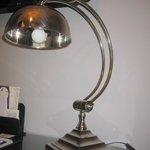 Elegante lámpara de mesa