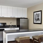 Deluxe King Suite (Kitchenette)