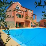 Photo de Olive Tree Apartments