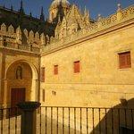 Vue sur l'arrière de la cathédrale depuis la terrasse