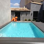 Small pool but enough to cool down in !!