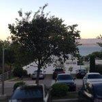 jedyny widok na morze - chyba na parking ;((