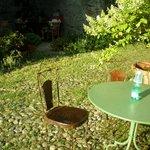 giardino fronte camera